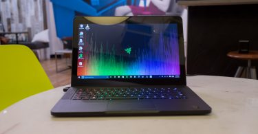 Razer-Blade-14 touchscreen gaming laptop